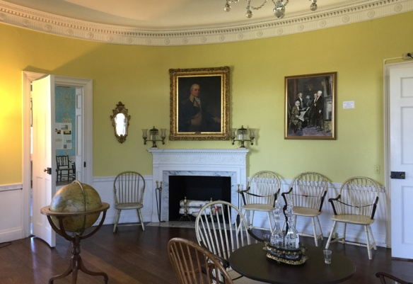The oval room in the Henry Knox Museum.