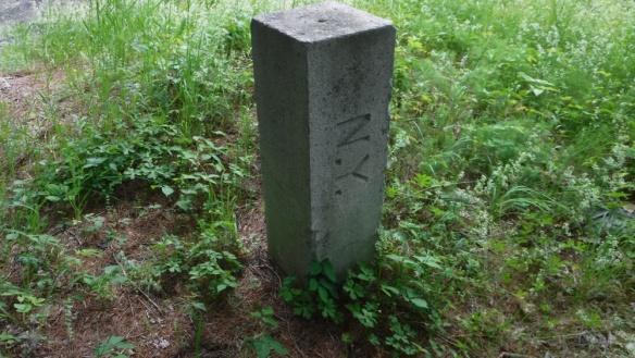 Post denoting state line between New York and Massachusetts - New York Side